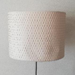 【引渡し交渉中】IKEA フロアランプ 差し上げます! - 子供用品