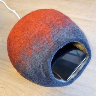 羊毛フェルトのまんまる寝床作り