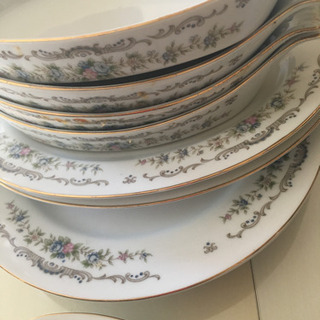 食器10枚綺麗な状態です。グラタン皿など4種類