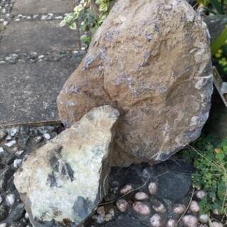 庭や玄関に飾る岩