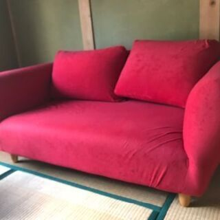 赤いソファー中古品
