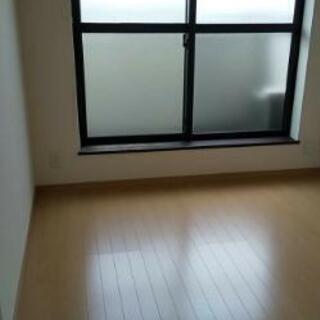 床張り(フロアタイル)の勉強、練習の為。安価で張替えをご希望のお客様