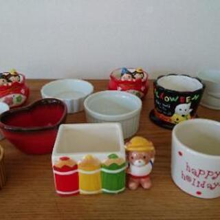 【美品】ココット 11種類 12個セット 小物入れ お菓子入れ 耐熱皿