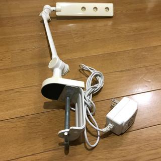 無印良品のLEDデスクライト(固定型)