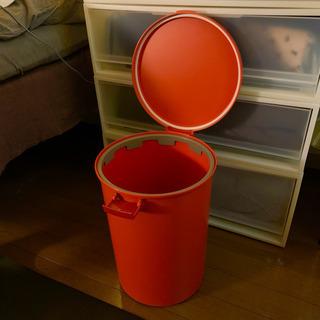 蓋付きゴミ箱 レッド