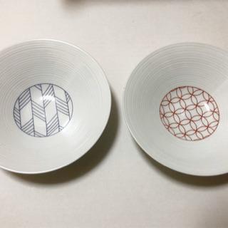新品☆超軽量 波佐見焼永峰製磁 縁起紋様の深皿
