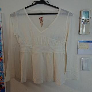 Vネックシャツ(長袖)