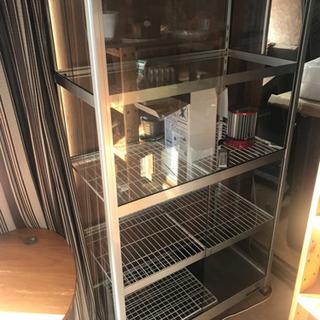 ガラス温室とヒーター