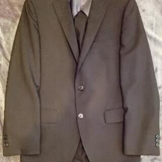 美品スーツMサイズ