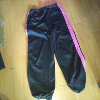 ブラック×ピンク ジャージMサイズ