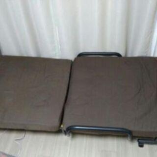 6段階リクライニング式ベッド
