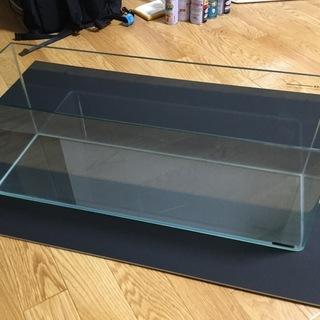 ガラス水槽 KOTOBUKI、幅61cm奥行20cm高さ23cm