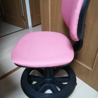 【0円】あと一脚・ピンクの学習椅子差し上げます