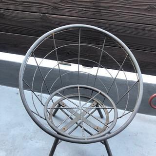 スチール椅子