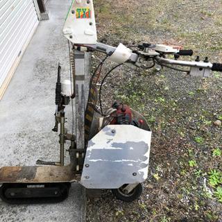 茶刈機自走機