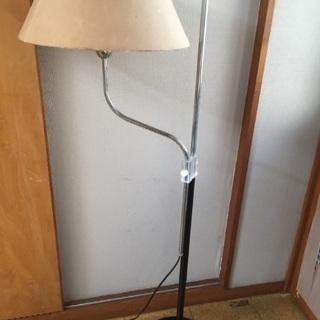 照明 スタンドライト 高さ約130cm ライトの高さ調整可能