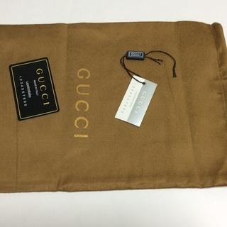 Gucci の帽子の付属品:未使用保存袋とコントロールカー…