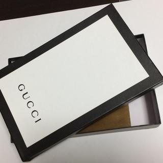 Gucci の帽子の付属品:元箱と未使用保存袋とコントロー…