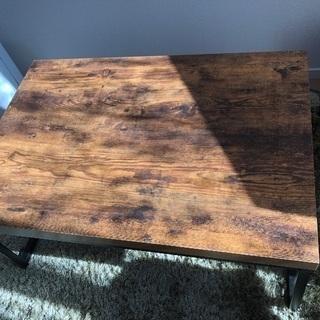 ローテーブルを譲ります