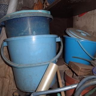 屋外保管のバケツ・農業用シート