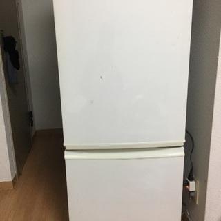 冷蔵庫  汚れありますが、使用は問題ありません。