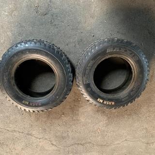 四輪バギーのフロントタイヤ