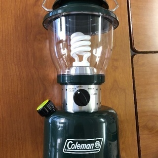 コールマンのレトロランタン(15W) スパイラルチューブ蛍光灯です。