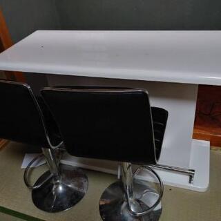 カウンターテーブルと椅子2脚 今月中引き取り希望