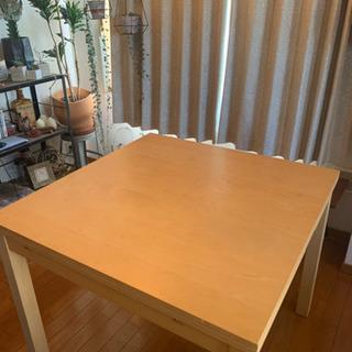 IKEA 伸長式ダイニングテーブル BJURSTA 2-4人用 ...