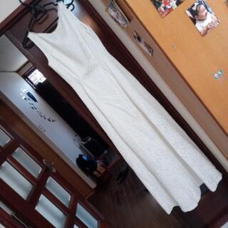 ☆白のバラ総刺繍のドレス☆