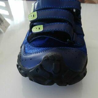 新品アディダスのメンズ靴