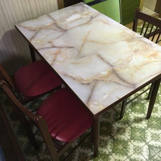 昭和レトロなテーブルセットの画像