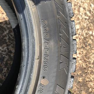 中古品スタッドレスタイヤ4本ホイール無し、205/55R16