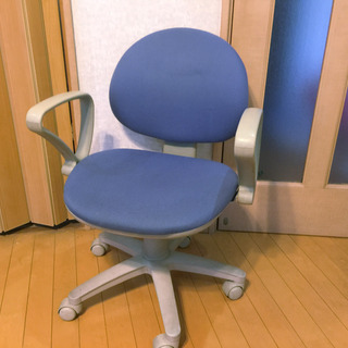 青いイス(オフィスチェアー・椅子)取来人に差し上げます