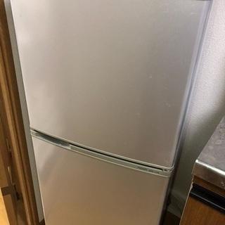 冷蔵庫(2013年製 AQUA 137L)