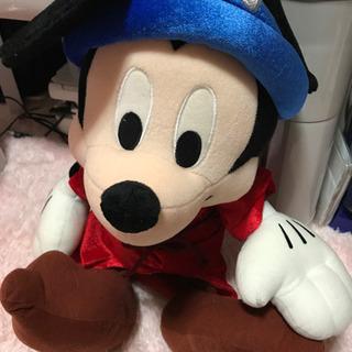 ミッキーマウスのぬいぐるみ