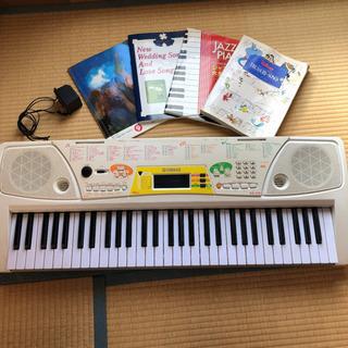 9千円分の楽譜本おまけ付き!ヤマハ 電子ピアノ EZ-J15!