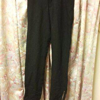 黒の裾ファスナー付きパンツ S(細め) 毛60%