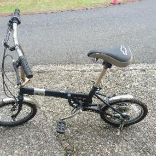 16インチ折り畳み自転車。