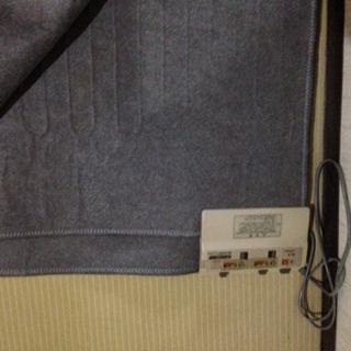 シャープ製の2畳用のホットカーペット