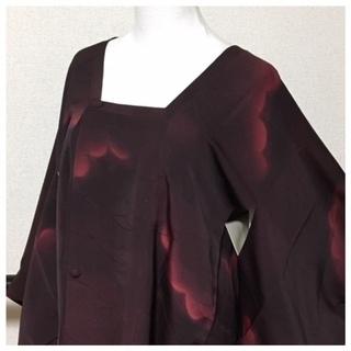 極上 羽裏 お洒落 道行コート 濃い赤 雲取り 地紋柄 正絹 中古品