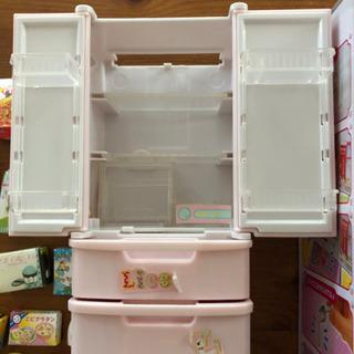 リカチャン冷蔵庫 お洋服 - 売ります・あげます