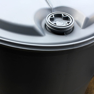 プラスチック製ドラム缶 200L − 東京都