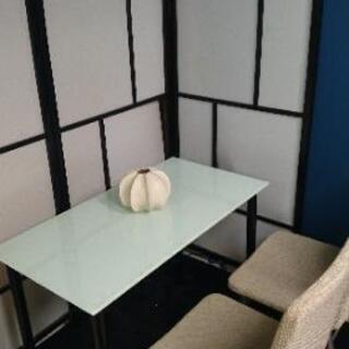 【値下げ】IKEAガラステーブル+IKEA椅子2脚