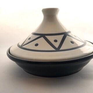 少人数用 模様がきれいなタジン鍋 使用頻度少な目の美品です