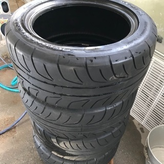 タイヤ4本セット差し上げます。