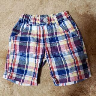未使用の夏用のズボン