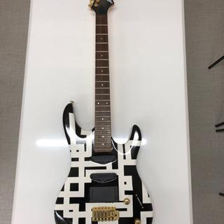 どこかマリオネットな気分になるギター