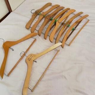 木製ハンガ- 無料