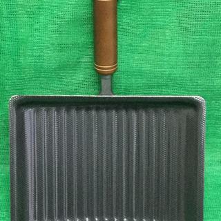 未使用品 くるくるエッグパン 両面エンボス加工   幅22.8  奥行32  高さ8  (cm) 玉子焼き フライパン − 岐阜県